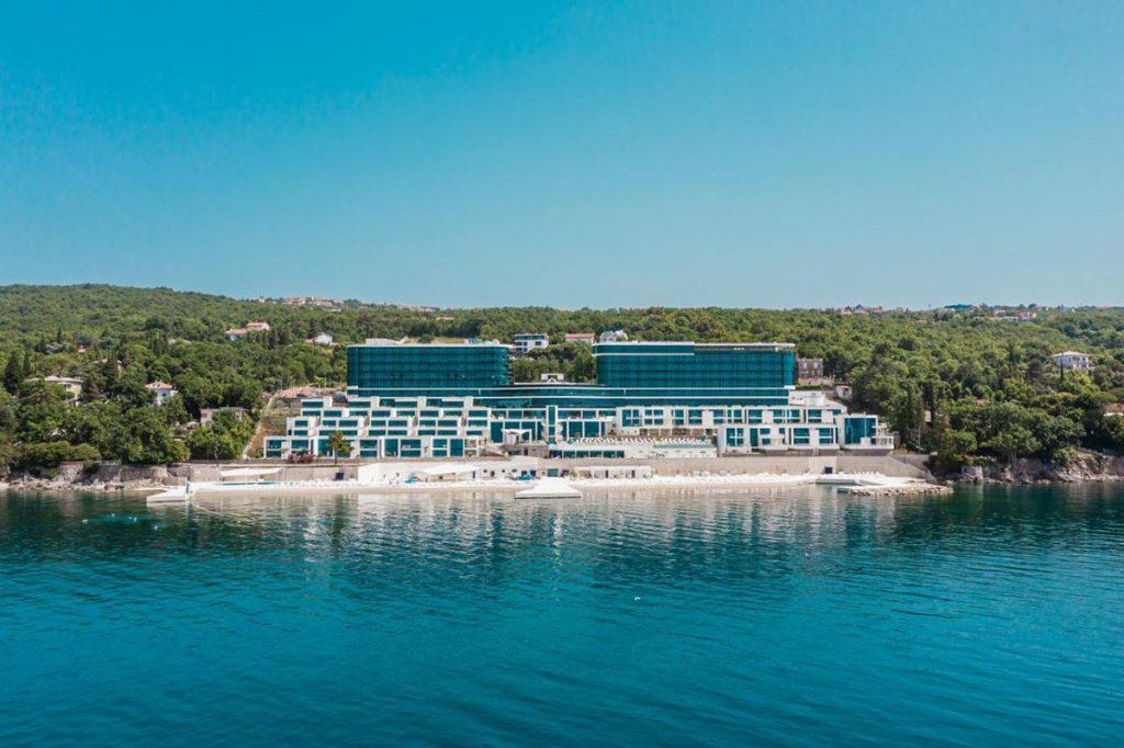 Neues Hilton Hotel mit atemberaubendem Ausblick in Kroatien